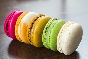 traditionele Franse kleurrijke macarons foto