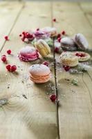 macarons bitterkoekjes met poedersuiker foto