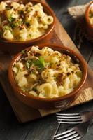 gebakken zelfgemaakte macaroni en kaas foto