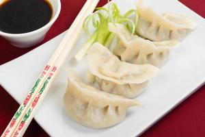 jiaozi - potsticker dumplings foto
