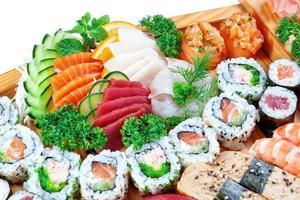 set groep van exotisch eten sushi.