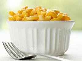 macaroni en kaas met vork foto
