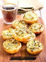 kaas en spinazie mini taarten foto