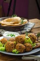 gezondheid knapperige falafel foto