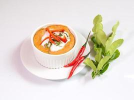 gestoomde vis met currypasta in beker, Thais eten,