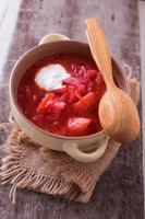 verse smakelijke groentesoep borsch foto