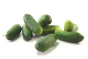 komkommers inleggen foto