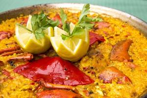 Spaanse zeevruchten paella foto