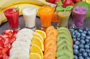 kleurrijke smoothies foto