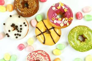 zoete heldere donuts foto