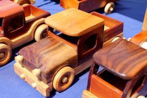 houten vrachtwagens