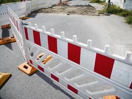 bouwplaats hek voor wegwerkzaamheden foto