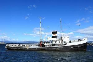 schiffswrack fischkutter in ushuaia argentinien