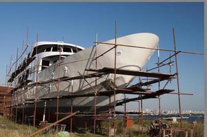 schip in de scheepswerf