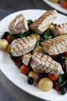 aangebraden tonijnsalade foto