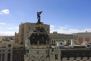 de koepel van het metropoolgebouw. Madrid. Spanje foto