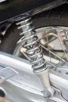 schokdemper motorfiets foto