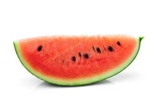 watermeloen die op witte achtergrond wordt geïsoleerd