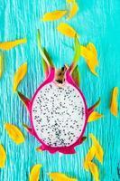 drakenfruit vers van de boom foto