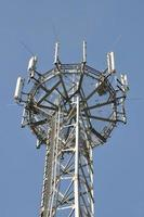 telecommunicatietoren met antennes foto