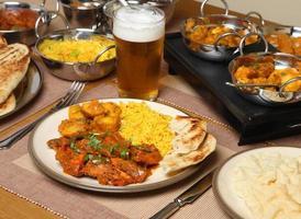 Indiase curry maaltijd foto