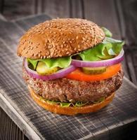 klassieke hamburger close-up. foto