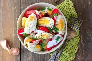 salade van tomaten en eieren foto