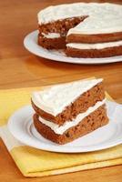 bovenaanzicht segment van carrot cake foto