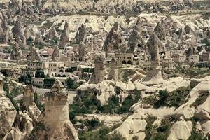 rotsformaties in Cappadocië foto