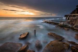 bronte rock pool, sydney, australië foto