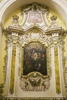 fresco in het zijschip foto