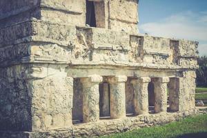 tempel van de fresco's, tulum, mexico foto