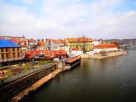 rivier in Praag foto