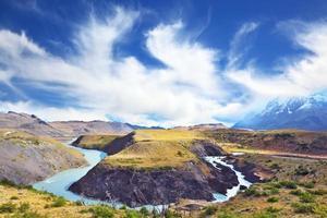 de rivier buigt foto