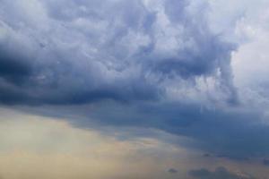 gotische wolken, slecht weer,