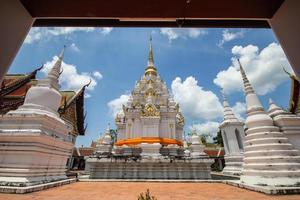 phra borom that chaiya, surat thani, thailand foto