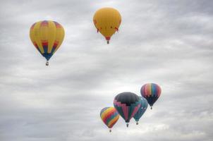 zes heteluchtballonnen foto