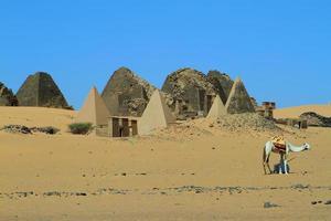sterven pyramiden von meroe im Sudan foto