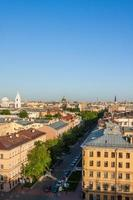 bovenaanzicht van st. petersburg in de zomer foto