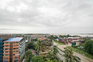 Yangon, Myanmar. luchtfoto van yangon stadsgezicht foto