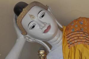 liggende Boeddha foto