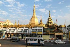 de pagode van sule paya in yangon foto