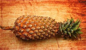 geïsoleerde ananas foto