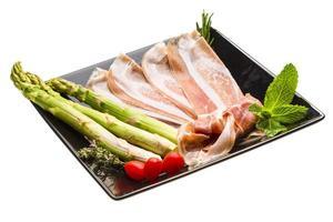 spaanse ham - hamon foto