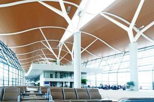 passagier in de shanghai pudong luchthaven foto