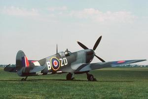 spitfire geparkeerd foto