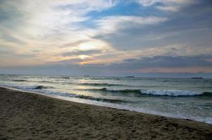 landschap zee sunrice gouden hemel foto
