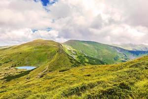 landschap van het meer Nesamovyte