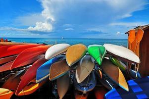 kleurrijke kajaks foto