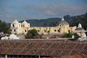 kerk in antigua, guatemala foto